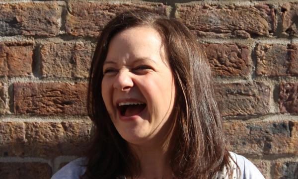 Sonja Balegh macht Faxen