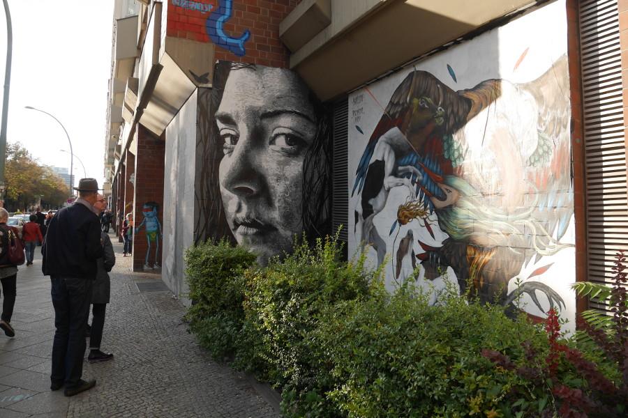 Impressionen Street Art Hauswand Damenportrait
