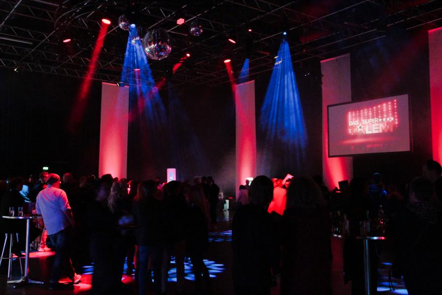 Tanzflächer Partygesellschaft