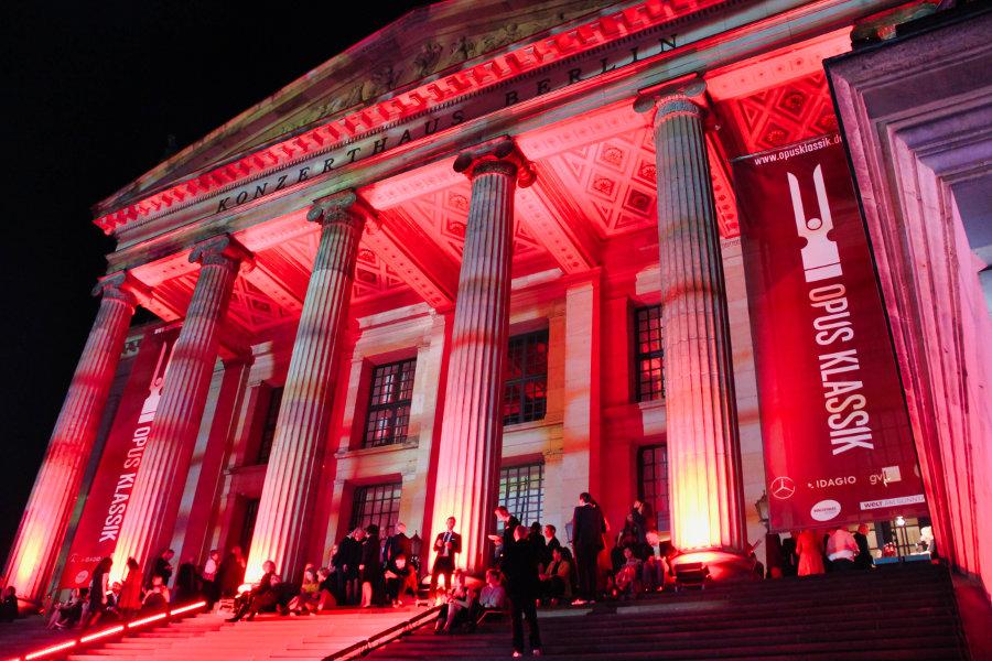 Konzerthaus bei Nacht