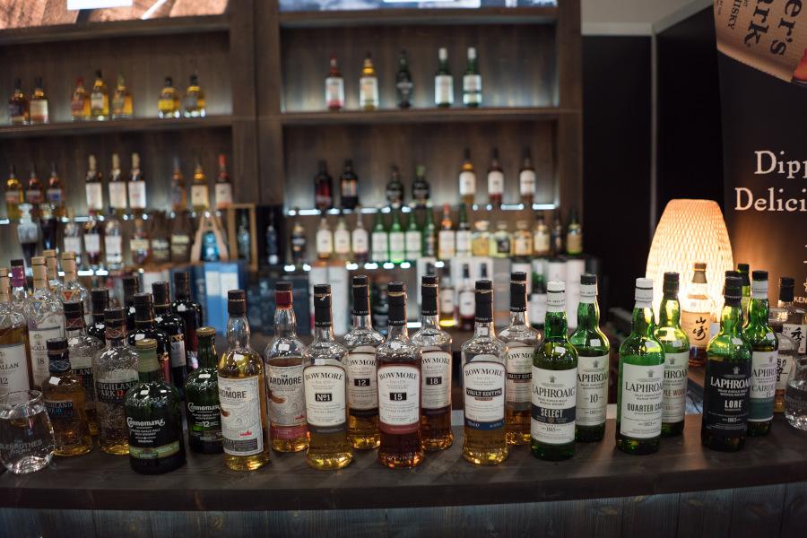 Close-up Whisky Flaschen Qualitäten