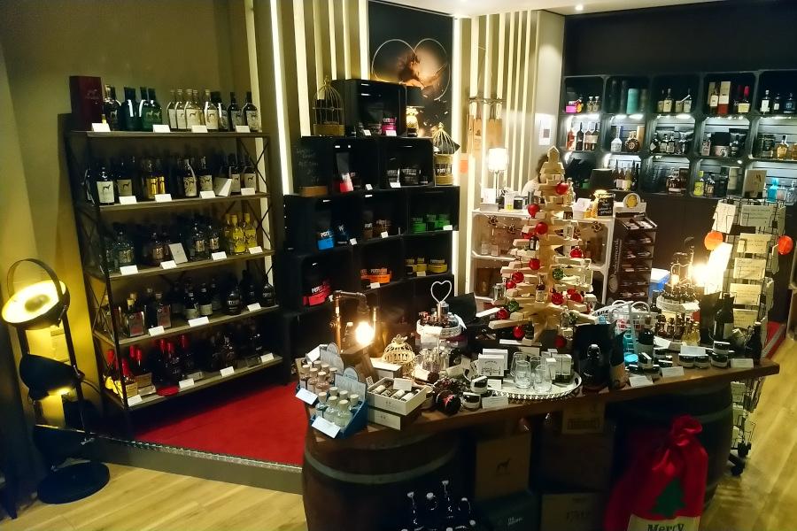 Store Regale Produkte Dekoration