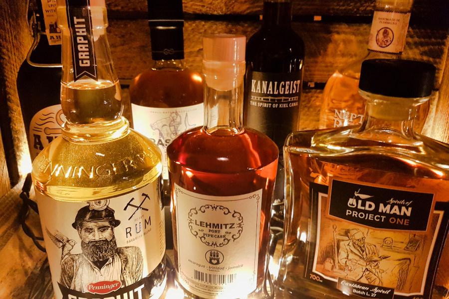 Close Up Rum Flaschen Marken