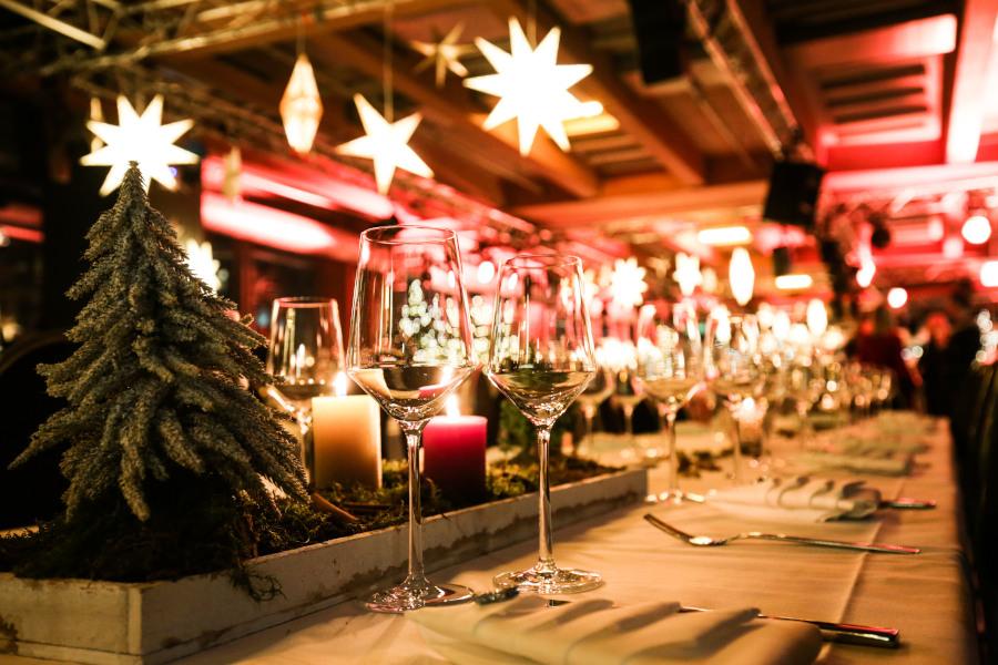 Tischdeko Weihnachten Weingläser